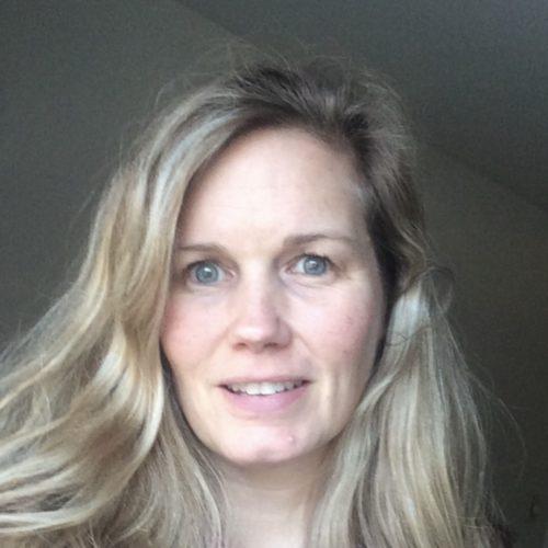 Julie Mueller Headshot