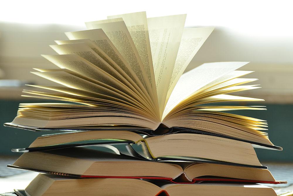 pile of books 159866
